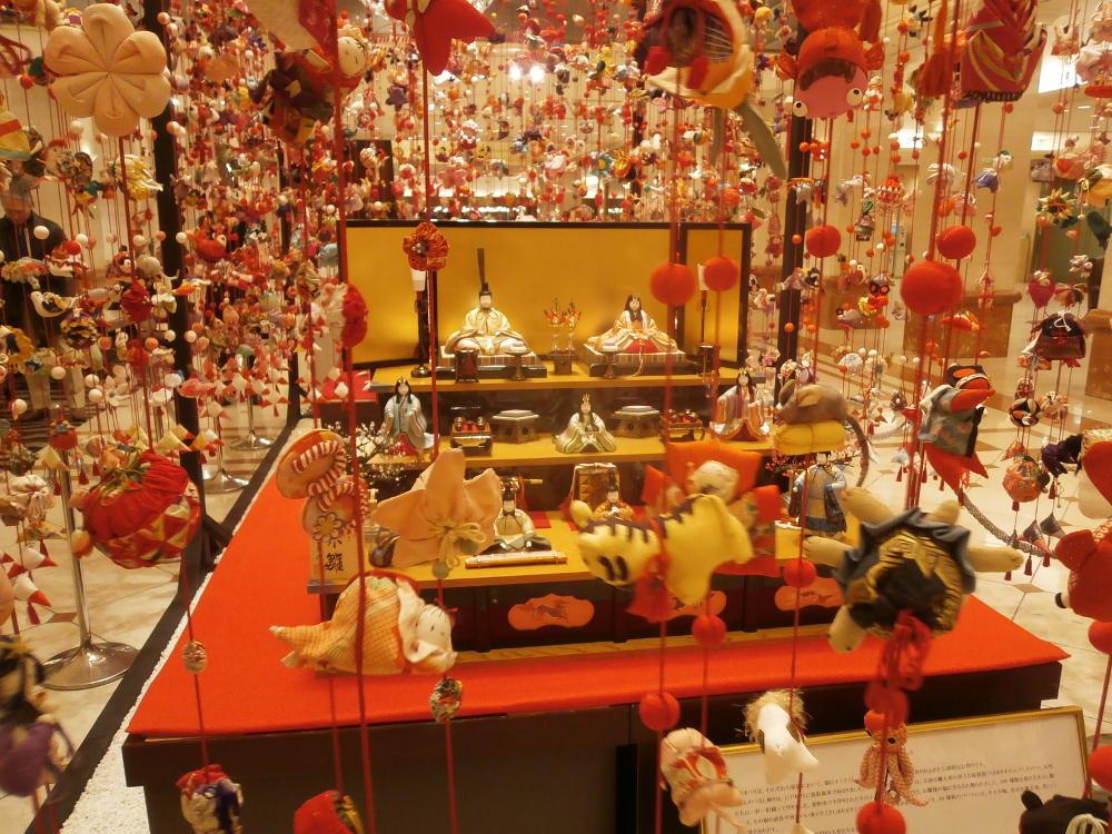 京王プラザホテル東京「本絹古布のつるし飾り」2015/2/1~3/31 撮影:ヤマザキサトシ