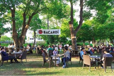 東京ミッドタウン「バカルディ・ミッドパークカフェ」